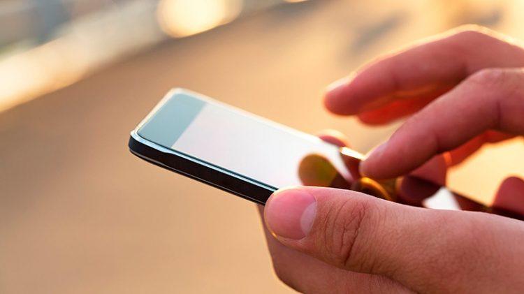 El Gobierno anunció un programa de prestación básica de telefonía e internet: cuánto costará