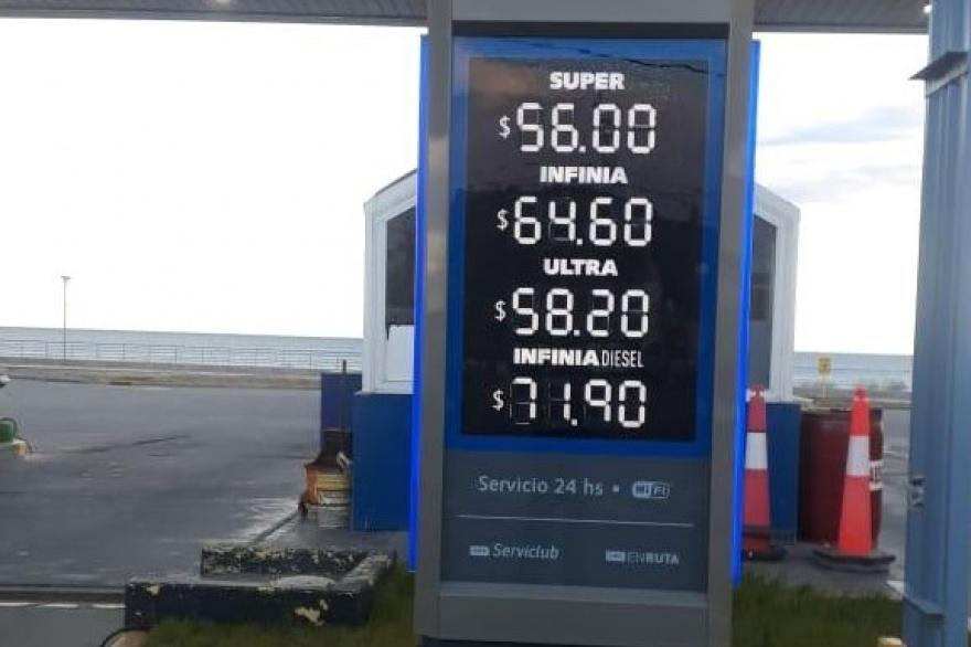 Sorpresivo aumento de nafta en las YPF, el 2° del año