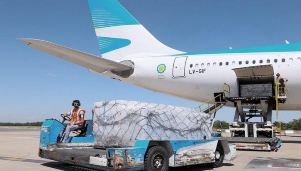Llegó a Ezeiza el vuelo de Aerolíneas que trajo de Rusia la segunda tanda de vacunas Sputnik V