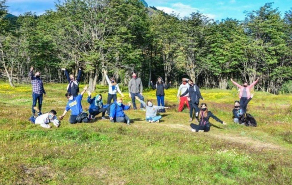 Activá el Verano: Talleres, fogones y encuentros en entornos naturales para jóvenes de Ushuaia