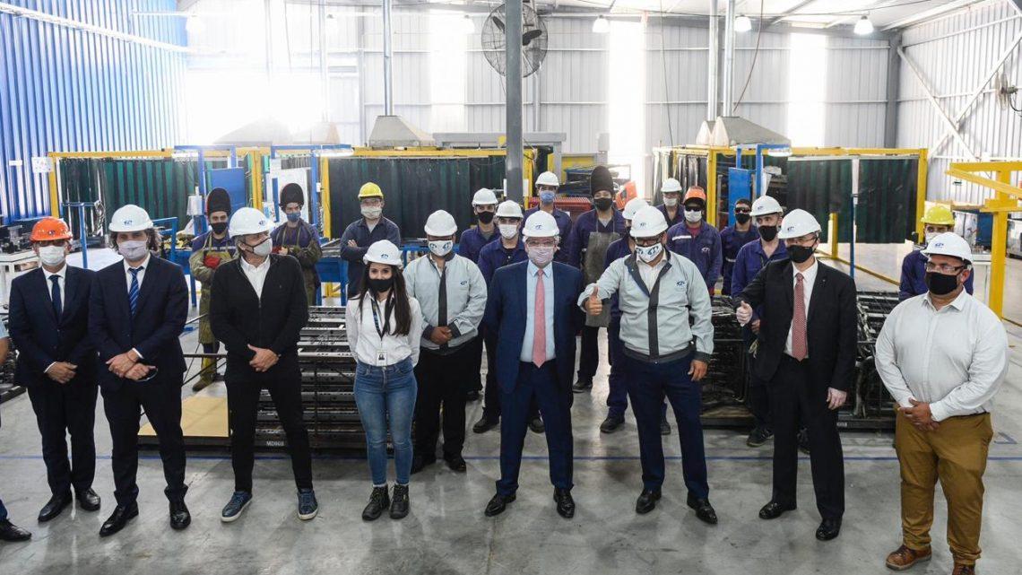 Baradero: El Presidente visitó una autopartista nacional que fabricará piezas para el nuevo modelo Volkswagen Taos