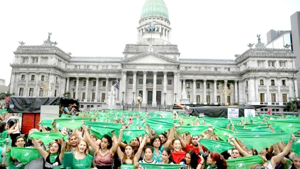 El presidente promulgará la ley de aborto legal con un acto en el Museo del Bicentenario