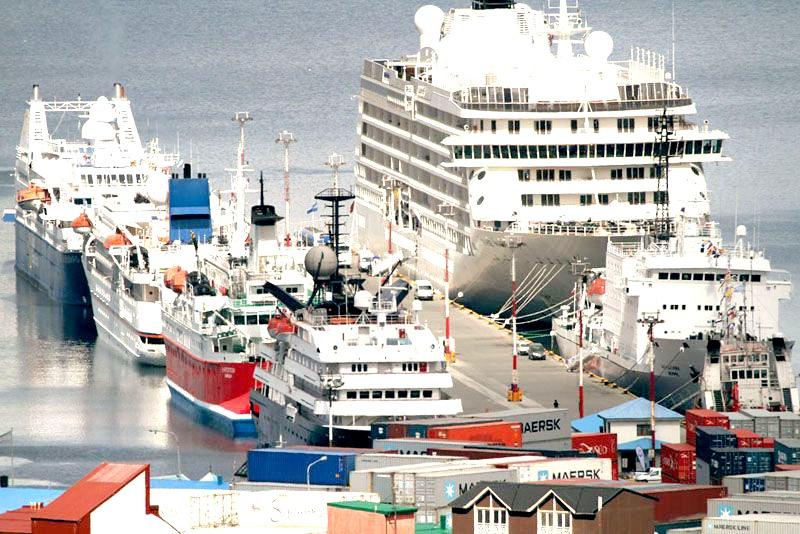 Se abrieron los sobres de la licitación para obra de ampliación del muelle comercial del puerto de Ushuaia