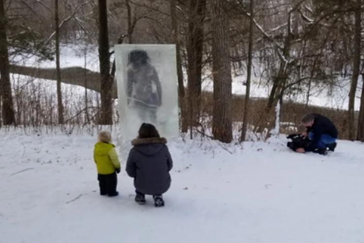 """Apareció el cadáver de un """"cavernícola"""" dentro de un cubo de hielo"""