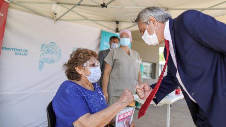 """""""Ahora que hemos podido pasar el millón de vacunados, tenemos que vacunar mucha más gente a mayor velocidad"""", dijo el Presidente"""