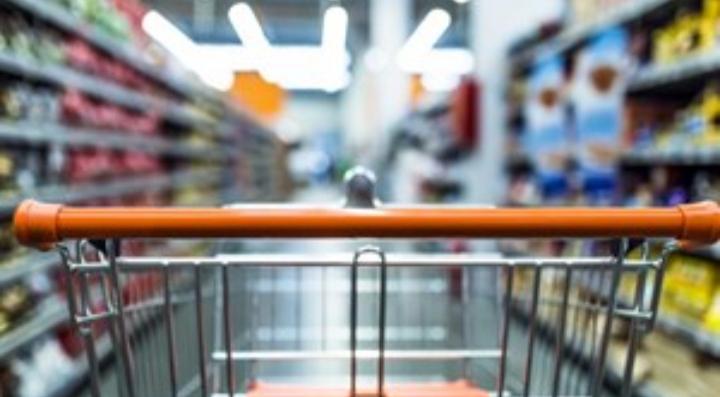 Supermercado deberá pagarle $2 millones tras acusarlo falsamente de robar un desodorante