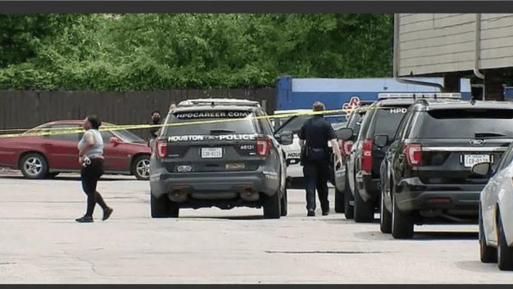 Un nene de tres años mató de un tiro a su hermanito de ocho meses