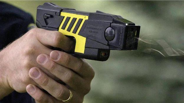 proyecto de ley para autorizar el uso de las pistolas Taser