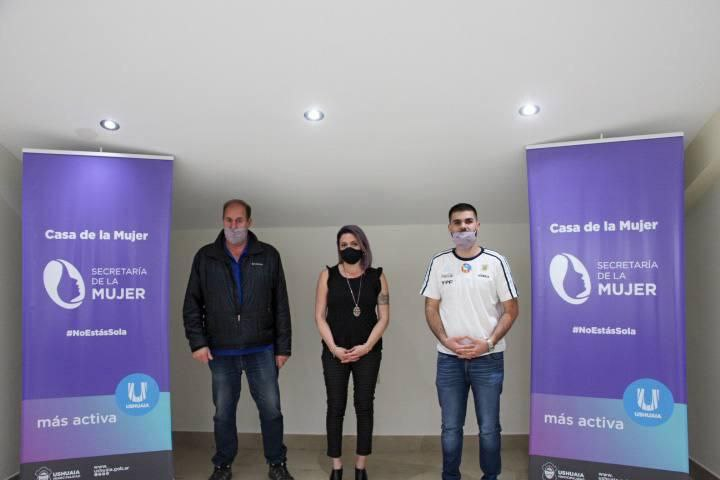 LA SECRETARÍA DE LA MUJER Y LA LIGA USHUAIENSE DE FÚTBOL DEFINEN ACCIONES CONJUNTAS