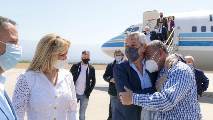 El Presidente llegó a La Rioja para reunirse con gobernadores de todo el país