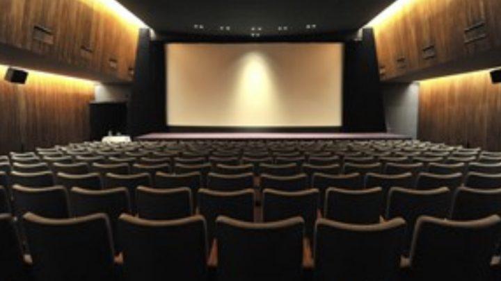 El Gobierno dará un bono de 5 mil pesos a jóvenes para gastar en cine y recitales