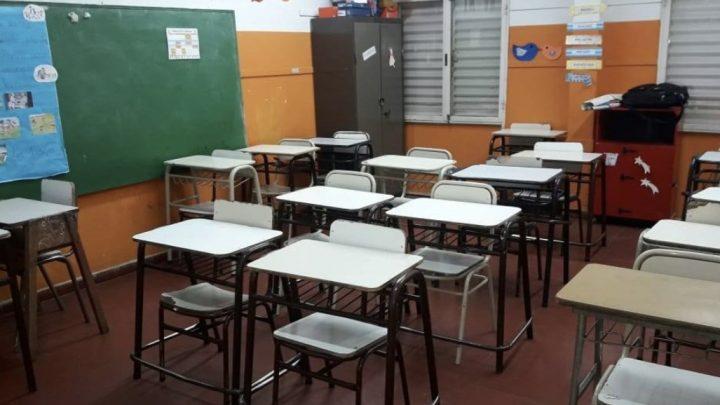 Retención de tareas en los colegios públicos de gestión privada de la Provincia