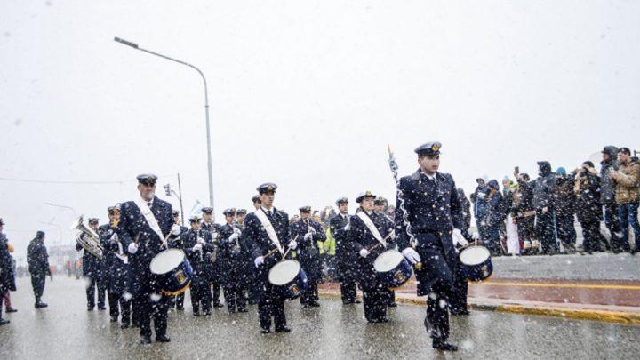 Todo listo para el desfile cívico-militar por un nuevo aniversario de Ushuaia