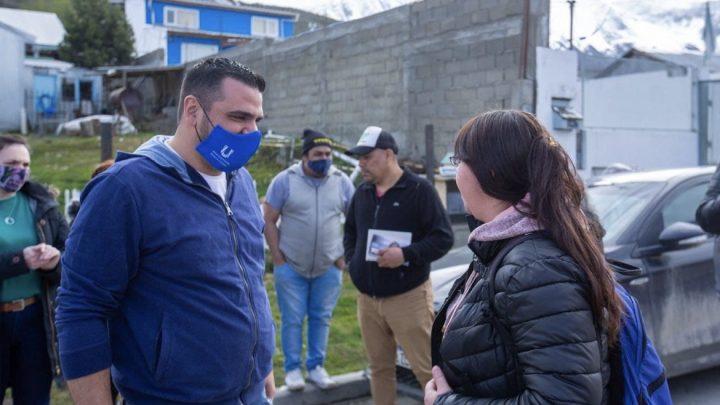 El intendente vuoto recorrió los barrios felipe varela y alakalufes donde dialogó con vecinos y vecinas